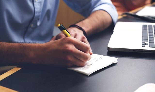 כיצד להימנע מהפרת זכויות יוצרים בכתיבת תוכן